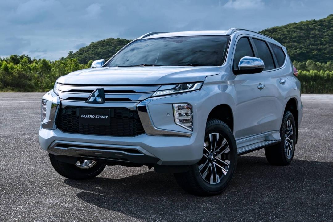 Đánh giá xe Mitsubishi Pajero Sport 2021 – Nhiều option mới sẵn sàng đấu Fortuner